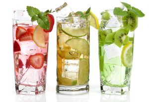 5 Ways Detox Water Helps You Lose Weight