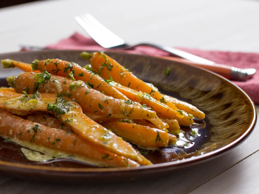 Tahini and Carrot served in a plate.